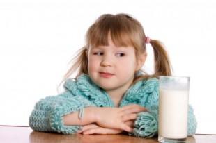 crianca-alergia-alimentar-leite