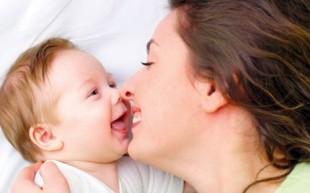 O seu bebê adora ouvir a sua voz!