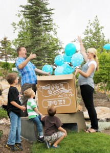 Balões surpresa para o chá de bebê!