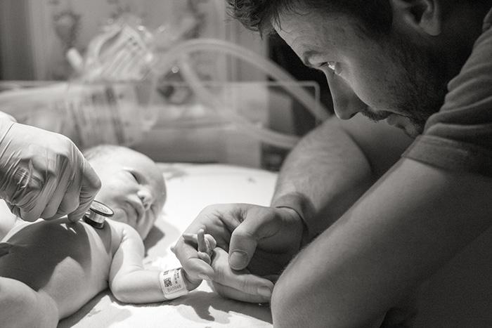 Fotos Emocionantes De Pais E Seus Bebês Recém Nascidos Diários Da